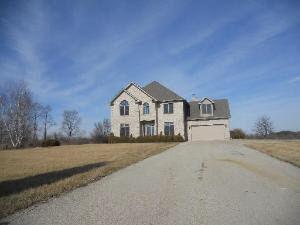 2645 Coltonville Rd, Sycamore, IL