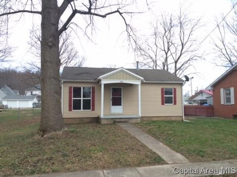 208 N Oak St, Bluffs, IL 62621