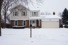 2610 Arrowwood Ln, Rolling Meadows, IL 60008