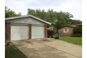 211 N Orchard Dr, Park Forest, IL 60466