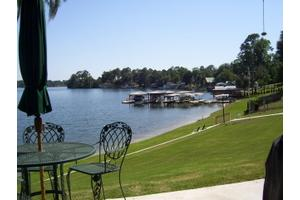 5801 Deosta Dr, Lake Park, GA 31636