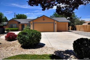 106 Alexander Ct, Fernley, NV 89408