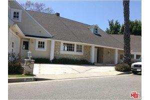 903 Linda Flora Dr, Los Angeles, CA 90049