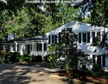 1204 Colonial Way, Charleston, WV 25314