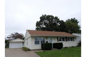 739 39th Ave, East Moline, IL 61244