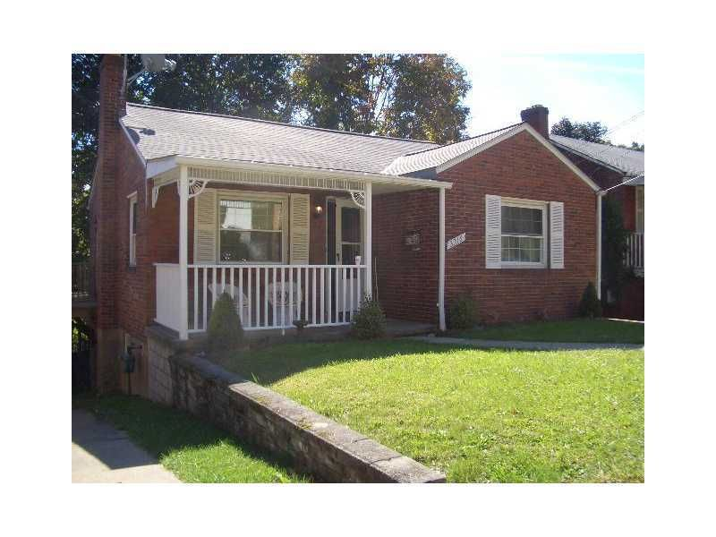 3316 Shadyway Dr Brentwood Pa 15227 Realtor Com 174