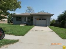 210 S 7th St, Clinton, MO 64735