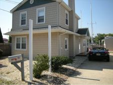 15 Bay Ave, Lacey Township, NJ 08731