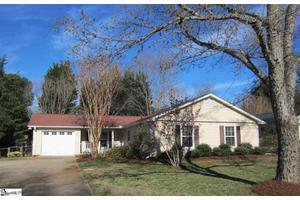 307 Hunters Trl, Greenville, SC 29615