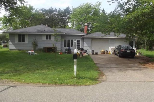 2616 Locust St, Stevens Point, WI 54481