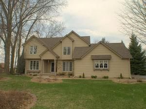 N2355 Fen Lockney Dr, La Crosse, WI