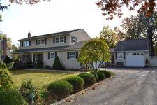 28 E Fairchild Pl, Whippany, NJ 07981