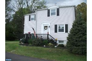 2414 Pershing Ave, ABINGTON, PA 19001