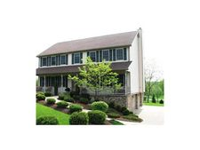 212 Willow Run Dr, Center Township But, PA 16001