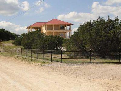 1300 Alta Vista Rd, Spicewood, TX