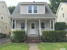 22 Herbert Ave, Port Washington, NY 11050
