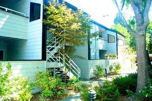 3193 Wayside Plz Apt 12, Walnut Creek, CA 94597