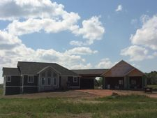 12456 Woodland Ln, Watford City, ND 58854