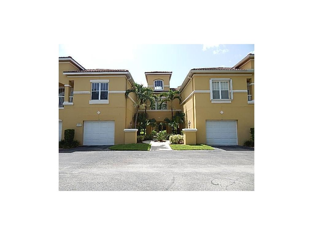 5045 Fairways Cir Apt D103 Vero Beach Fl 32967