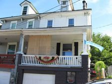 47 Penn St, Steelton, PA 17113
