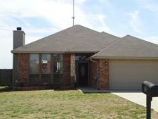 208 Nw Cherry Ave, Cache, OK 73527