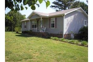 124 Locker Rd, Summertown, TN 38483