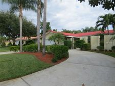 4783 Overlook Dr Ne, St Petersburg, FL 33703