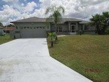 1030 Albany Ave, Lehigh Acres, FL 33971