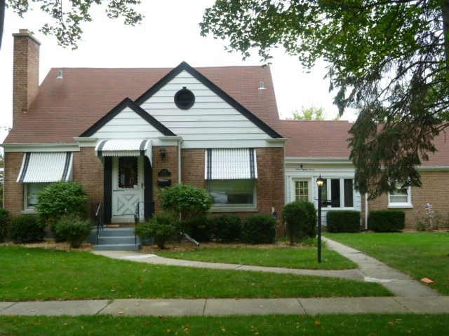 387 Woodbridge St, Des Plaines, IL