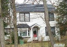 60 Mountain Ave, Bayville, NY 11709