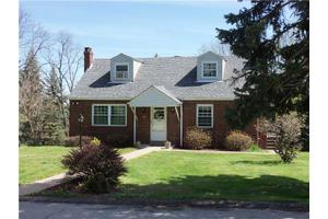 118 Locust Cir, North Strabane, PA 15317