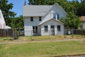 124 W Chestnut St, Junction City, KS 66441