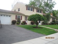 3 Brookshire Dr, Cedar Grove, NJ 07009