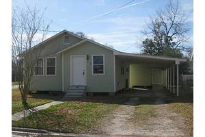 912 13th St, Lake Charles, LA 70601
