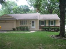 10821 Oak St, Kansas City, MO 64114