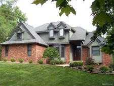 5850 Willow Rd, West Bloomfield Township, MI 48324