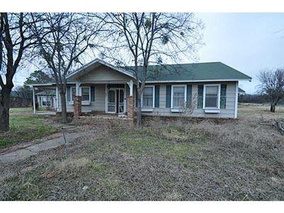 601 E Grove St, Granbury, TX 76048