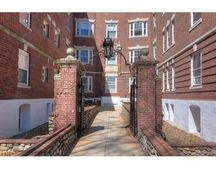 35 Lee St Apt 4, Cambridge, MA 02139