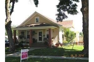 200 W 15th St, Higginsville, MO 64037