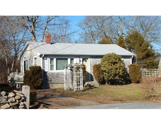 669 Horseneck Rd, Dartmouth, MA 02748