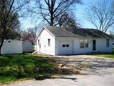 19 W Oak St, Butler, MO 64730