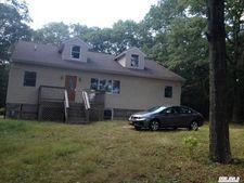 108 Ridge Rd, Ridge, NY 11961