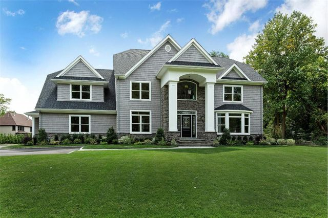 490 Wolf Hill Rd, Dix Hills, NY 11746 Main Gallery Photo#1