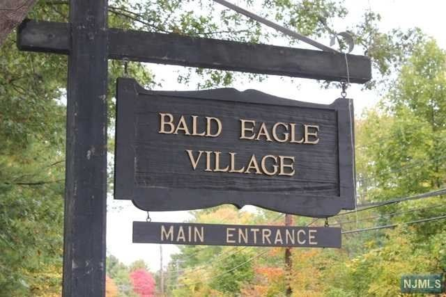 W bald real estate brokerage
