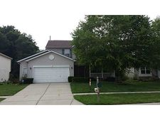 8452 Smithfield Ln, Indianapolis, IN 46237