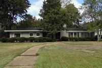 603 E Cleveland Ave, Greenwood, MS 38930