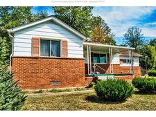 105 Jackson Dr, Elkview, WV 25071