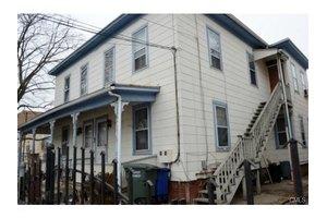 182-84 Hanover St, Bridgeport, CT 06604