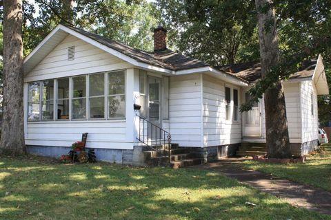 305 E Boone St, Salem, IL 62881
