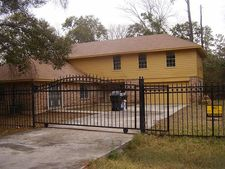 11022 Wicklowe St, Houston, TX 77016
